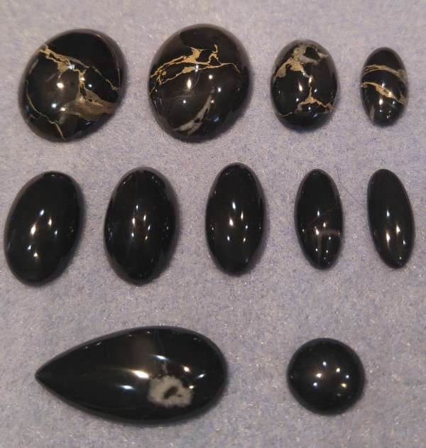 black_marble_cabs-small.jpg